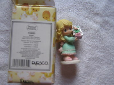 MOM YOU ARE ONE OF A KIND Figurine (CAUCASIAN Version)~2004 Precious Moments~NEW