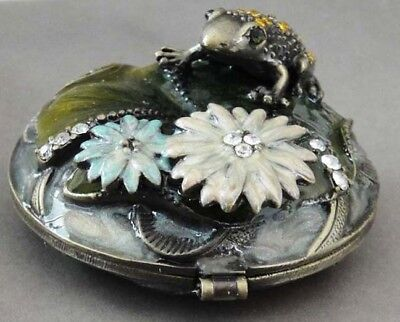 NIB Twin Mirror Pearlescent/Guilloche Enameled Metal Compact Frog on Lily Pad