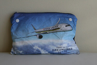 Amenity Kit SIA Singapore Airlines with Socks and Toothbrush DREAMLINER 787-10