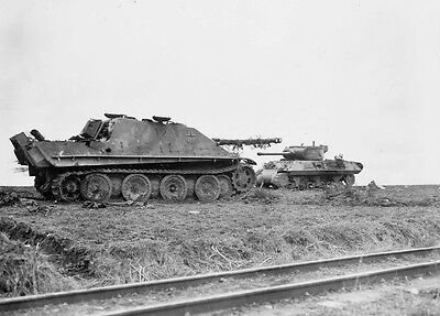 WW2 Photo WWII US Army M36 Tank Destroyer and German Jagdpanzer  / 3069