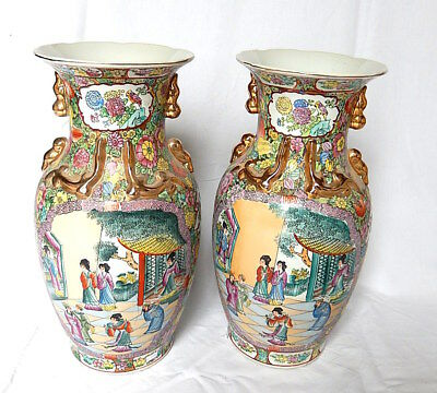 2 Vase Baluster Ceramic Nankin Family Pink Green Fighter Party China Asia