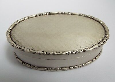 Lovely Decorative English Antique 1909 Solid Sterling Silver & Gilt Snuff Box
