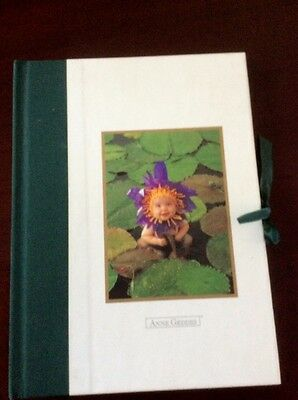 Lovely ANNE GEDDES Photograph  ALBUM - Adorable