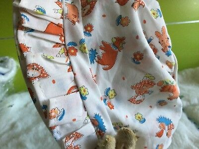 VINTAGE UNWORN 70s BABY GIRLS INFANTS CHILDREN'S PRAM SUN BONNET 3/6 MONTHS