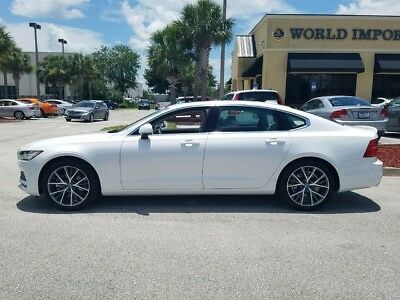 2018 Volvo S90  2018 VOLVO S90 T5 MOMENTUM AWD * 3,000 MILES - APPROX MSRP $56,735.00 - SAVE