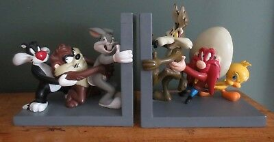 * Warner Brothers * Looney Tunes Bookends * Bugs, Taz, Wyle-E, Tweety, Sylvester