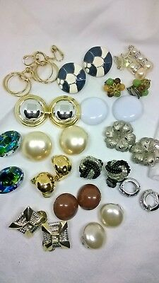 JOB LOT OF CLIP ON VINTAGE JEWELLERY EARRINGS MIXTURE OF STYLES & MATERIALS sa3