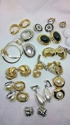 JOB LOT OF CLIP ON VINTAGE JEWELLERY EARRINGS MIXTURE OF STYLES & MATERIALS sa4