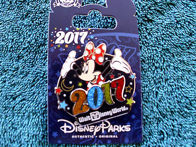 Disney Parks * 2017 Dated - MINNIE * New on Card Trading Pin