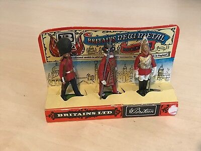 Vintage Boxed Britains New Metal Models Group of Three Guards / Soldiers