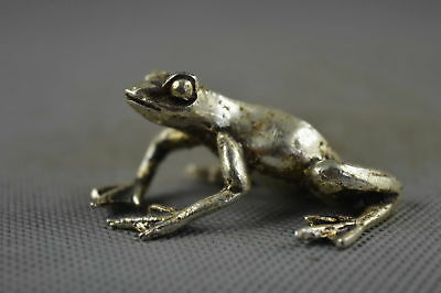 Chinese Collectable Handwork Old Miao Silver Carve Jump Frog Noble Lucky Statue
