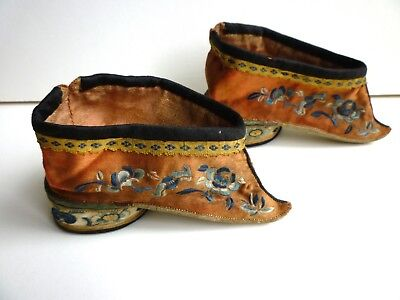 Antique 19thC Pair of Ladies Silk Embroidered Chinese Lotus Bound Feet Shoes