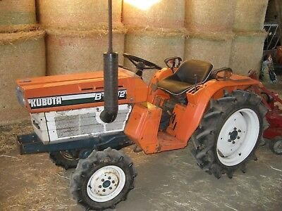 kubota b1702 4x4 compact tractor with only 906 genuine hours