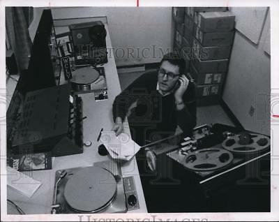 1968 Press Photo Robert Conard, the voice of WCLV
