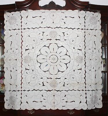 Vintage Madeira Style Linen Richelieu Embroidery Needlework Cutwork Tablecloth