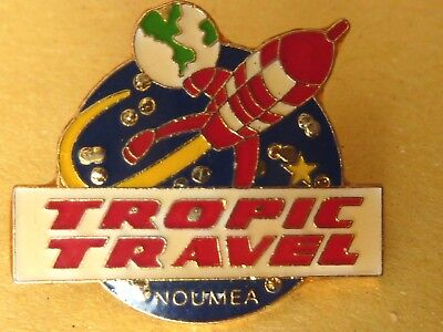 Pin's Pin Badge Avion Aerospatiale  Tropic Travel Noumea