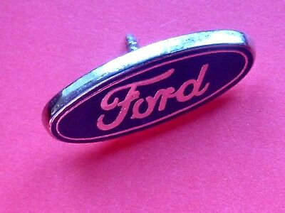 Pin's Pin Badge Sigle Auto Ford
