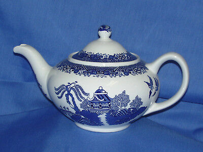 Wood & Sons~BLUE WILLOW Teapot~New~Made in England