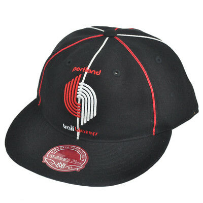 sports shoes 9e052 afa7f NBA Mitchell Ness Portland Trailblazers G024 Team Prim Fitted Hat Cap