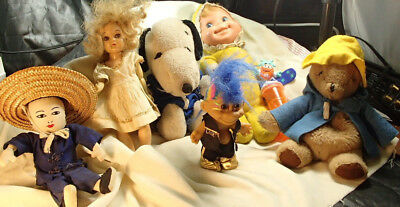 Collectible toy brand lot 8 adorable vintage character toys Paddington Snoopy M&