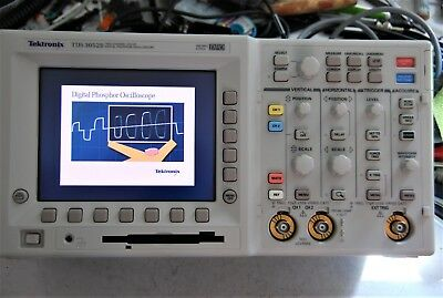 Tektronix TDS3052B 500 MHz 5GS/s 2 Channel Oscilloscope / DSO