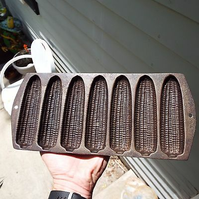 Vintage Cast Iron 7 Ear Corn Bread Muffin Pan Mold Marked with 20