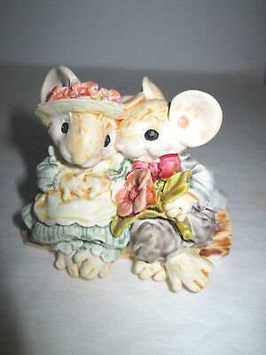 Ganz Little Cheesers - Blossom & Hickory on Log- 1991 - #05123