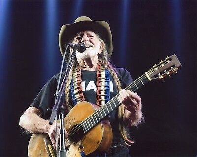WILLIE NELSON 8X10 COUNTRY MUSIC PHOTO LL-3