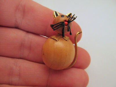 *Vintage Wood and Brass Figural Kitty Cat Pin Brooch Made in West Germany
