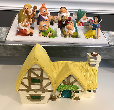 Disney Snow White & 7 Dwarfs & Cottage Flower Pot Sitters Garden Gnome NEW!!