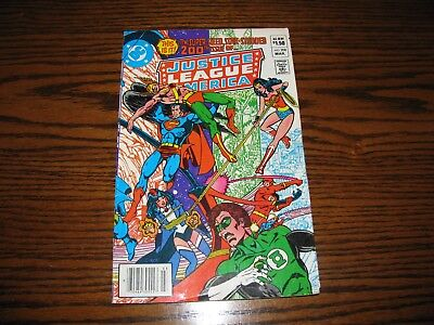 DC - JUSTICE LEAGUE AMERICA #200 Anniversary Comic!!  Glossy VG+ 1982