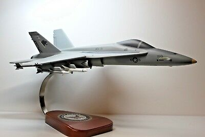 """Beautiful Hand Carved Mcdonnell-Douglas Usn F-18 Hornet 17 1/2 """" L X 11 1/2"""" Ws"""