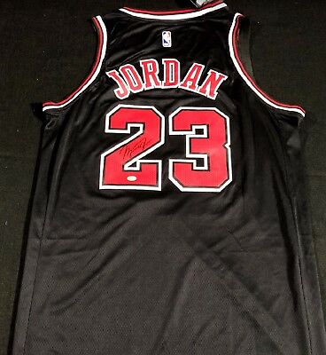 e7496b863 CHICAGO BULLS  23 Authentic Signed NBA Jersey Autographed Michael ...