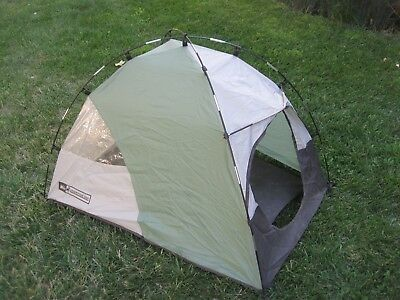 REI ADVENTURE DOG Tent Backpacking & Camping Roomy w Vent & Window  Lightweight