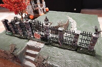 .Spooky Halloween iron FENCE & Gate w/ Brick, Crow, for Dept 56 Lemax Village