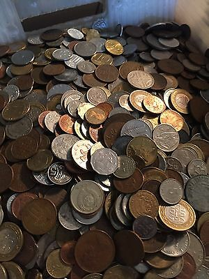 Huge Mixed Bulk Lot of 1000 Assorted World/Foreign Coins! Great Starter Group!