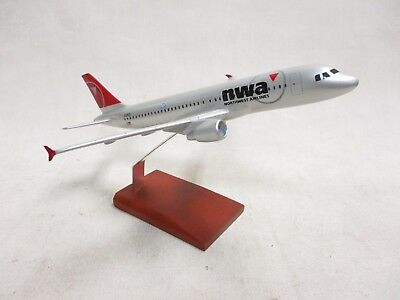 Northwest Airlines A320-200 Desk Top Display 1/100 Model Aircraft ES Airplane
