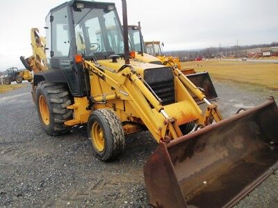 Ford 455C Tractor Loader Backhoe, 2x4, Cab, Only 3903 Hours, Pilot Controls