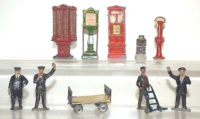 OS01 lot of spare railway items, porters, machines, etc Timpo, Britains, Hilco