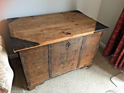 Antique mid Victorian (Pine?) Seafarers Travel Chest - Painted 1857