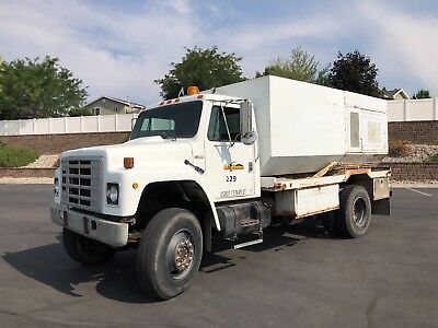 1981 International Harvester 1854  1981 INTERNATIONAL JETTER RODDER TRUCK 4X4 43K MILES NO RESERVE!