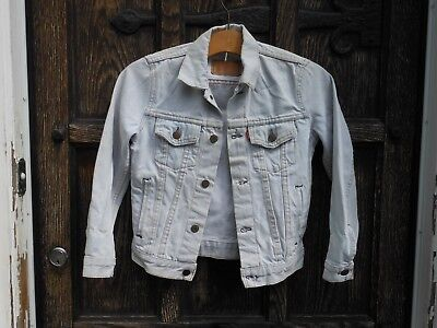 LEVI STRAUSSE FADED DEMIN JEAN JACKET Size 28 chest