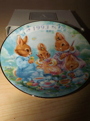 Colourful Moments 1993 Easter Plate gold trim Avon