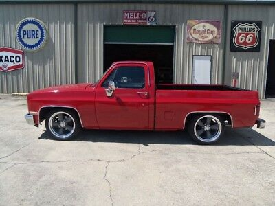1987 Chevrolet C-10 Silverado 1987 Chevrolet C-10 Silverado GM Crate 350 Engine Great Stance Awesome Truck