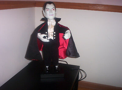 """Vintage 1992 Telco Universal Studios 23"""" Electric Vampire with Sound-Near Mint"""