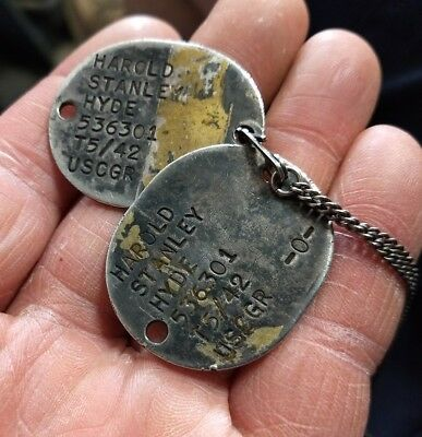Scarce WWII 1942 U.S. Coast Guard Reserve dog tags.
