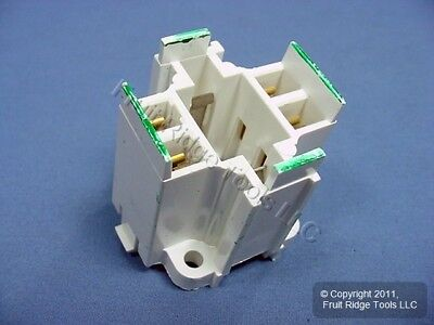 LEV Compact Fluorescent Lampholder Socket G24q-2 Bottom Snap-In 4-Pin 26725-402
