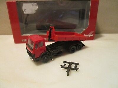 HERPA  ---  LKW  mit Abrollmulde  ---  neutral rot  ---   MB