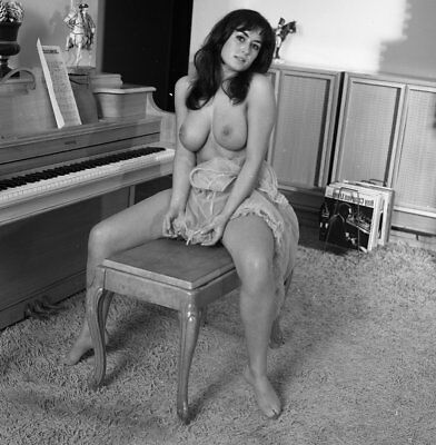 1960s Ron Vogel Negative, busty nude pin-up Nicole Pechoux by piano, t912667