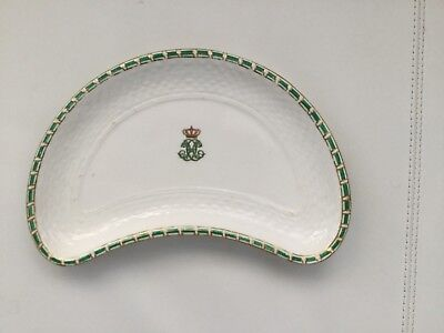 Queen Victoria 's daughter : Princess Beatrice 's salad plate from her Service